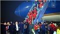 TRỰC TIẾP đón đội tuyển bóng đá Việt Nam trở về, lễ bế mạc SEA Games 30