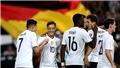 Oezil tỏa sáng giữa bão chỉ trích, Đức toàn thắng cả 8 trận vẫn chưa giành vé