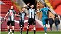 Liverpool 1-1 Newcastle: Công làm thủ phá, Liverpool đánh rơi chiến thắng vào phút cuối