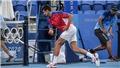 Thất bại ở Olympic 2021, Djokovic đập gẫy vợt và ném lên khán đài
