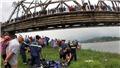 Nhảy xuống sông cứu người, tài xế xe tải và nạn nhân cùng bị đuối nước