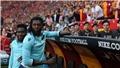Adebayor bị thủ môn đối phương đẩy ngã trong trận đấu căng thẳng nhất giải Thổ Nhĩ Kỳ
