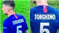 Jorginho gây sốt vì mặc áo in sai tên ở siêu cúp Châu Âu