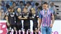 Torres thua đội bóng của Iniesta 1-6 ở trận đấu cuối cùng của sự nghiệp