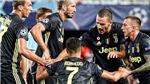 Hình ảnh các đồng đội ở Juve vực Ronaldo dậy an ủi gây sốt