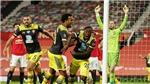 MU 2-2 Southampton: Đòn đau phút cuối