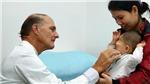 Bác sĩ 'bàn tay vàng' McKay McKinnon trở lại Việt Nam mổ miễn phí cho bệnh nhi nặng