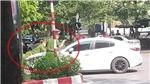 Hà Nội: Khởi tố, bắt tạm giam tài xế bỏ chạy, hất chiến sĩ công an lên nắp ca pô
