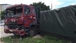 Xe đầu kéo đâm xe của huyện đội thị xã Tân Uyên, nhiều người thương vong