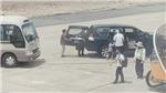 Xe công vụ đón Phó Bí thư Thường trực Tỉnh ủy Phú Yên trong sân bay theo đúng chế độ quy định