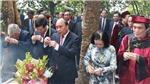 Chủ tịch nước Nguyễn Xuân Phúc dâng hương tưởng niệm các Vua Hùng nhân dịp Giỗ Tổ Hùng Vương
