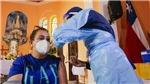 Chile xem xét tiêm vaccine mũi thứ 3 cho người dân