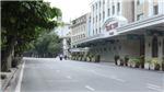 Đường phố Hà Nội vắng vẻ ngày đầu tuần