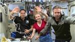 Các nhà làm phim Nga trở về an toàn sau khi quay trên trạm vũ trụ