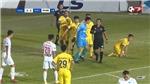 Tranh cãi quả penalty ở phút bù giờ cuối cùng giúp HAGL thắng Nam Định