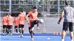 Bóng đá Thái Lan giảm lương cầu thủ 3 tháng, sợ bị kiện