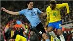 Căng thẳng tột độ, Cavani tuyệt tình đốn ngã Neymar khi đá giao hữu