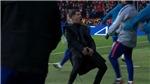 Diego Simeone gây sốc vì màn ăn mừng phản cảm ở trận thắng Juventus
