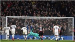 Bóng đá hôm nay 20/2: Tottenham nhận trái đắng ở Cúp C1. Fernandes được so sánh với Scholes