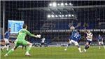 Everton 2-2 Tottenham: Harry Kane lập cú đúp rồi chấn thương, Spurs lo sốt vó