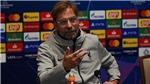 Klopp đáp trả Carragher về vấn đề trung vệ của Liverpool