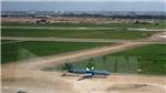 Cần sửa chữa gấp đường cất hạ cánh sân bay Nội Bài