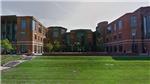 100 cựu sinh viên Mỹ cáo buộc bác sĩ trong trường quấy rối tình dục