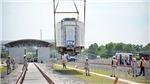 Cận cảnh đoàn tàu số 2 tuyến metro số 1 Bến Thành – Suối Tiên lên ray tại depot