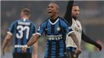 Ashley Young ghi bàn và kiến tạo ở Serie A, CĐV MU cầu xin đội bóng… được tha thứ