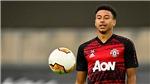 Tin bóng đá MU 23/1: MU loại Lingard khỏi danh sách thi đấu. Quyết định tương lai Van de Beek