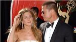 Jennifer Aniston đeo nhẫn đính hôn với Brad Pitt?