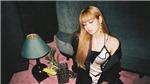 Lisa của Black Pink lại lèo khoèo đáng lo ngại trong loạt ảnh mới