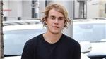 VIDEO: Justin Bieber hành xử như 'người rừng' khiến fan lo sợ