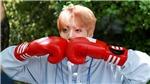 Xuất hiện chớp nhoáng, Jungkook BTS làm cháy hàng bộ đồ đắt đỏ chất chơi