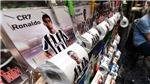 CĐV Napoli 'troll' Cristiano Ronaldo siêu dị bằng... giấy vệ sinh