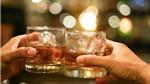 Lý do tiêm vắc xin Covid-19 phải kiêng rượu bia
