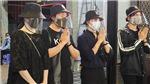 Trấn Thành - Hari Won và đồng nghiệp đến viếng Mai Phương