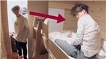 Sống lâu trong kí túc, RM BTS rất biết phải đối phó với các thành viên 'ngủ nướng'