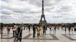 Một đoạn cầu thang Tháp Eiffel được bán đấu giá gần 300.000 euro