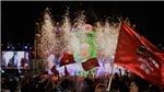 Hàng ngàn người dân Thủ đô hòa cùng niềm tự hào đất Việt trong đại tiệc âm nhạc kỉ niệm 20 năm của Highlands Coffee