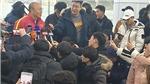Ông Park được báo chí và người hâm mộ chào đón khi U23 Việt Nam tới Hàn Quốc tập huấn
