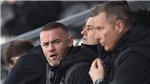 Bóng đá hôm nay 29/11: Henderson bực tức với VAR. Rooney giành điểm đầu tiên với Derby