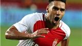 Monaco buộc tội Man United và Chelsea làm Falcao mất phong độ