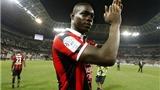 Balotelli dứt điểm má ngoài tinh tế, Nice tiếp tục bay cao ở Ligue 1