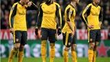 Bayern Munich trêu tức Arsenal hết sức tàn nhẫn sau thảm bại ở Allianz Arena