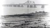 Cầu Long Biên - không gian hoang sơ, trầm lắng