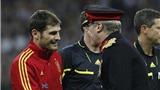 """""""Kỷ lục gia"""" Casillas qua góc nhìn bạn gái"""