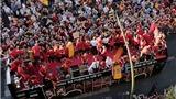 Chùm ảnh: Rừng fan TBN chào đón nhà châu Âu khải hoàn