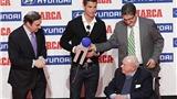 Bản tin sáng 3/12: Ronaldo xuất sắc nhất mùa. Man United theo dõi Di Maria sát sao. Higuain tỏa sáng