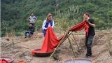 Ê-kíp Việt dựng 'ngôi làng bí ẩn' tại Tràng An cho 'Kong: Skull Island'
